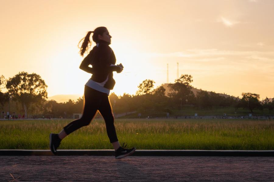 Woman running - working out