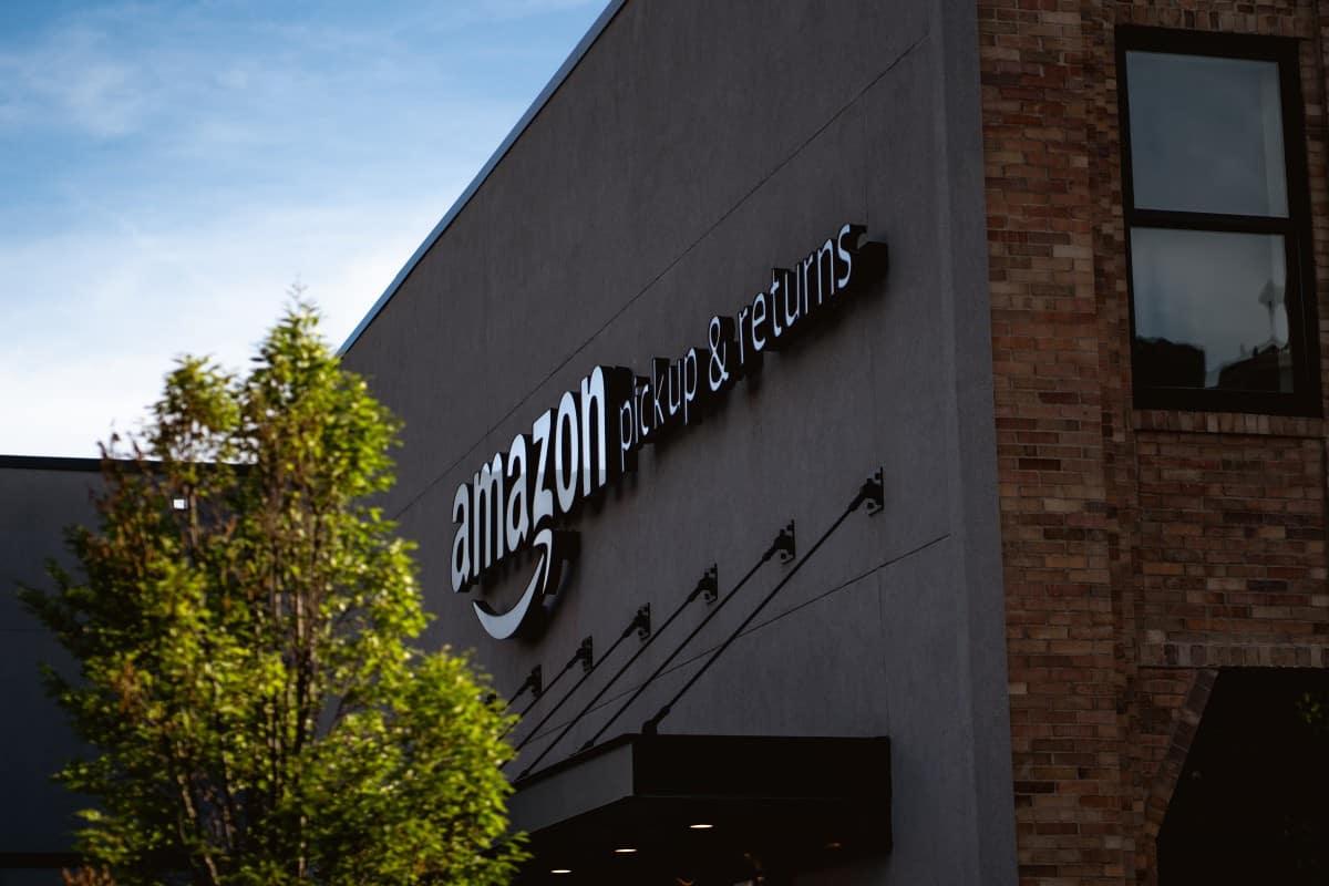 Amazon Pickup and Returns Center